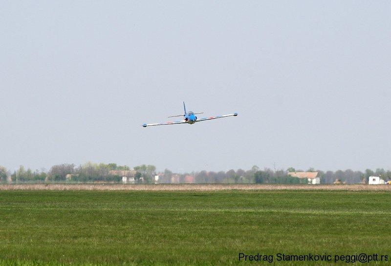 cenej-aerodrom-soko-g2-galeb-aerobatic-team-stars