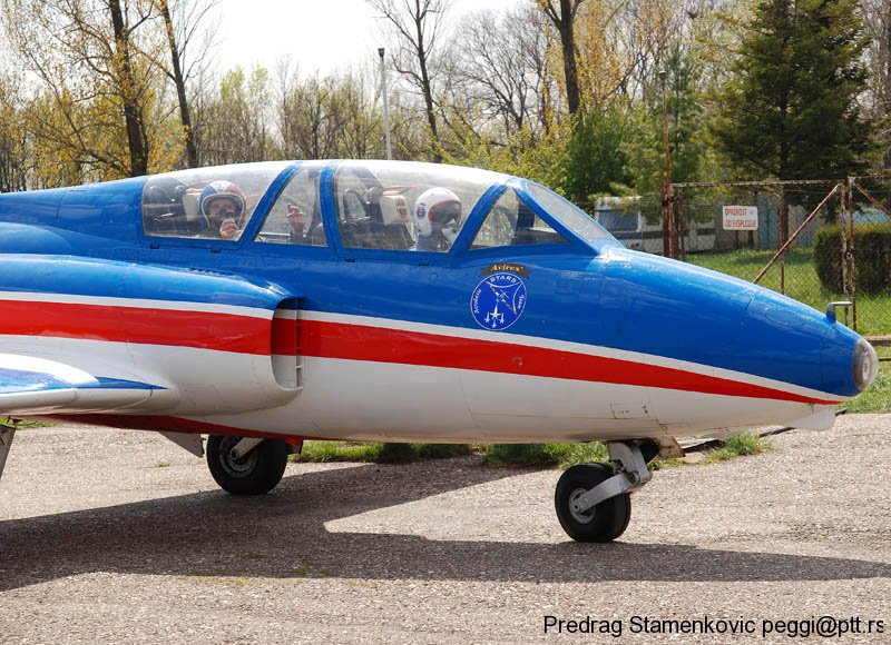 cenej-aerodrom-soko-g2-galeb-aerobatic-team-stars_5