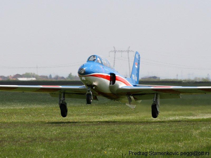 cenej-aerodrom-soko-g2-galeb-aerobatic-team-stars_7