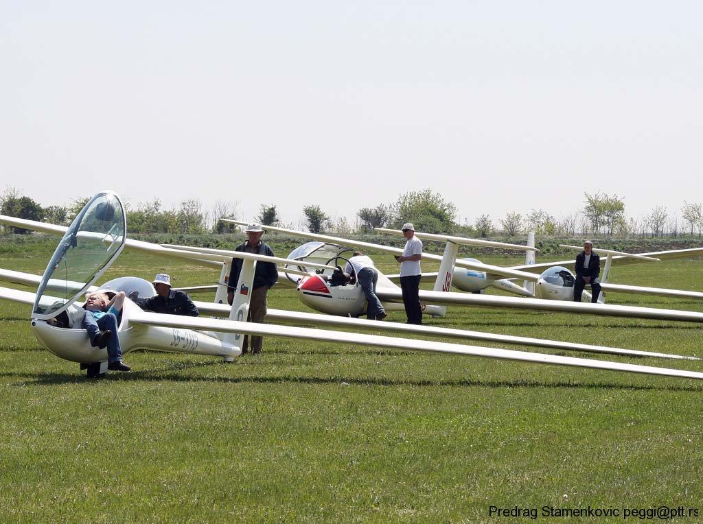 zrenjaninski-kup-2011-u-vazduhoplovnom-jedrilicarstvu