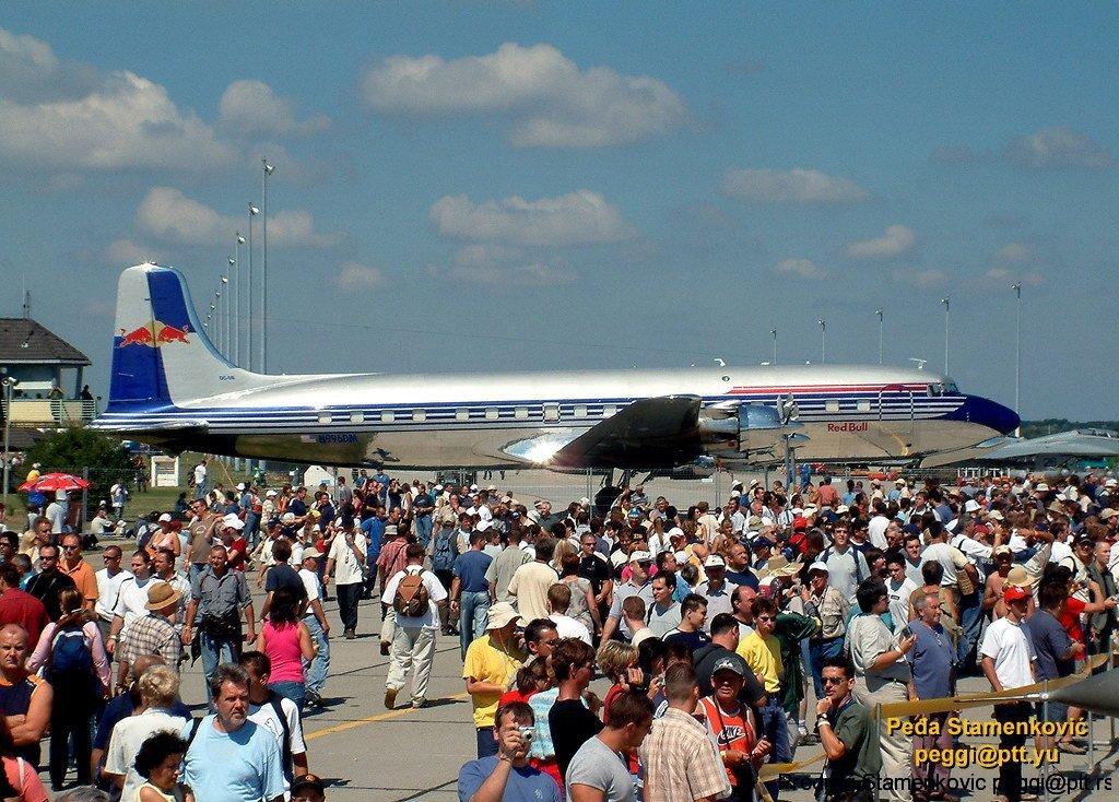 kecskemet-airshow-douglas-dc-6b-n996dm.jpg