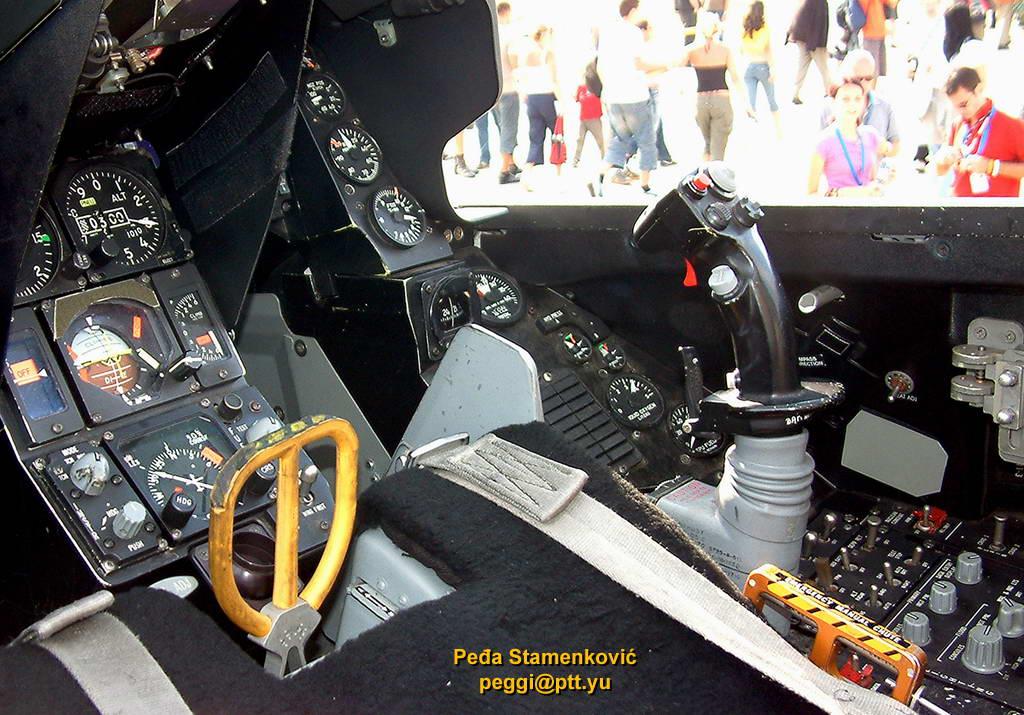 f-16c-555-triple-nickel-av.jpg