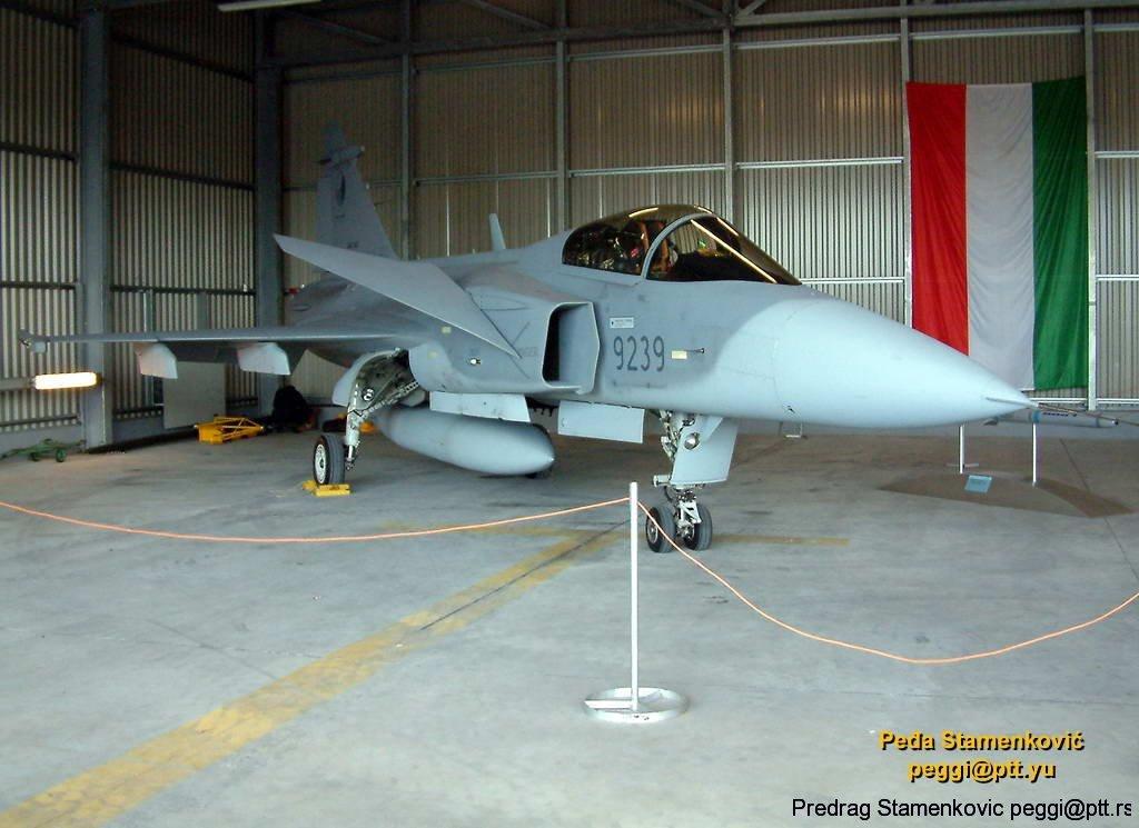 saab-jas39a-gripen-slovak-air-force-9239_0.jpg